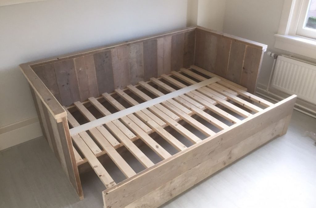 A Quick Guide To Shop For Customized Bed Frames